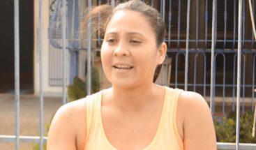 Mujer denuncia que fue golpeada por un policía en La Romana