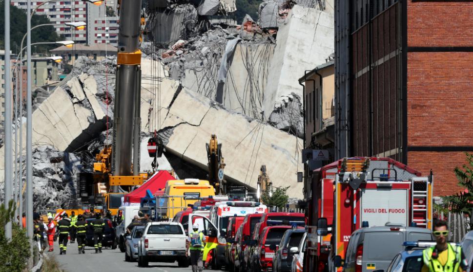 Familiares de 17 muertos Génova rechazan participar en funeral de Estado