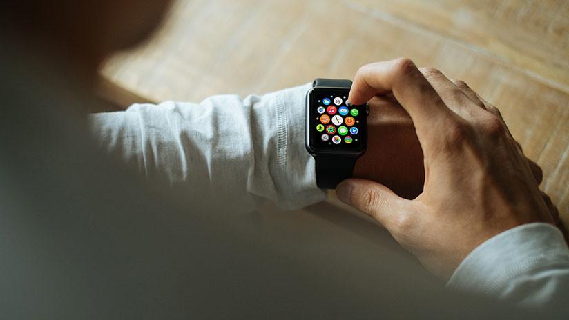 Reloj inteligente advierte a un joven de anomalías en su ritmo cardíaco