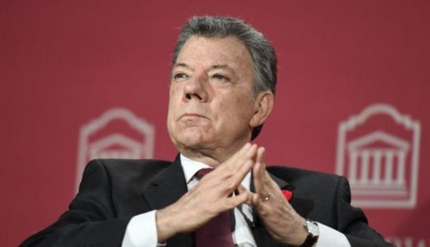 Santos se despide de ocho años de Gobierno sin lograr su