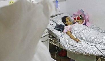Una mujer con una enfermedad letal se muere en su propia boda