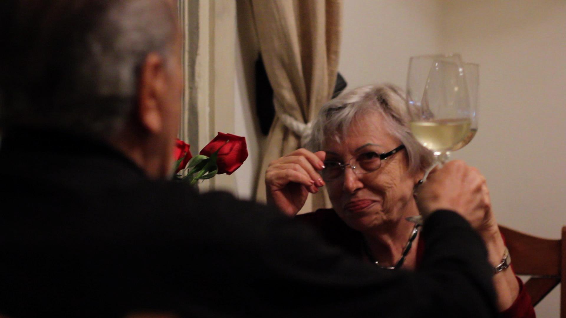 Documental uruguayo relata cómo envejece el amor con pareja octogenaria