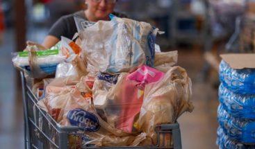 Mayor cadena de supermercados de EE.UU. eliminará uso bolsas de plástico