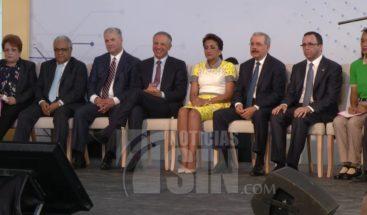Presidente Medina deja abierto el año escolar en Hato Mayor