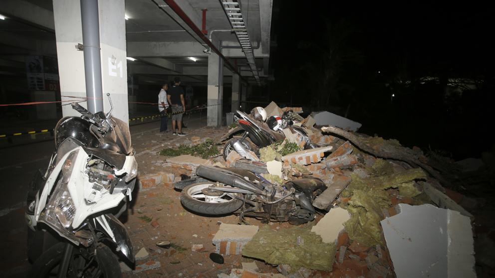 Al menos 19 muertos en un terremoto de magnitud 7 en Indonesia