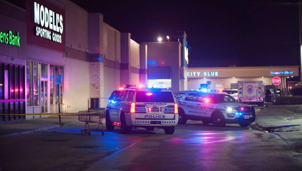 Varios heridos en un tiroteo en un Walmart de Filadelfia