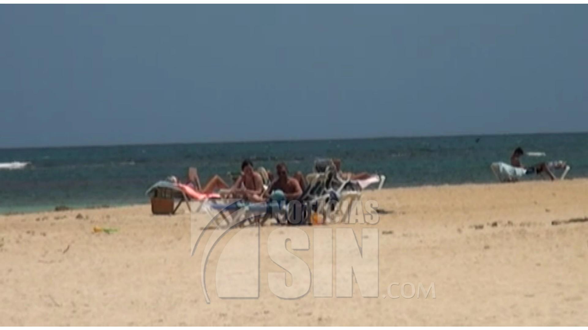 Regidores revisan terrenos playa Punta Poppy en Las Terrenas