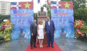 Inauguran plaza con busto de Juan Bosch en Vietnam