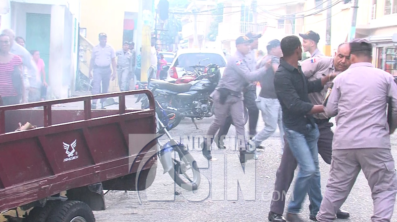 Desalojados son dispersados a bombazos en Haina