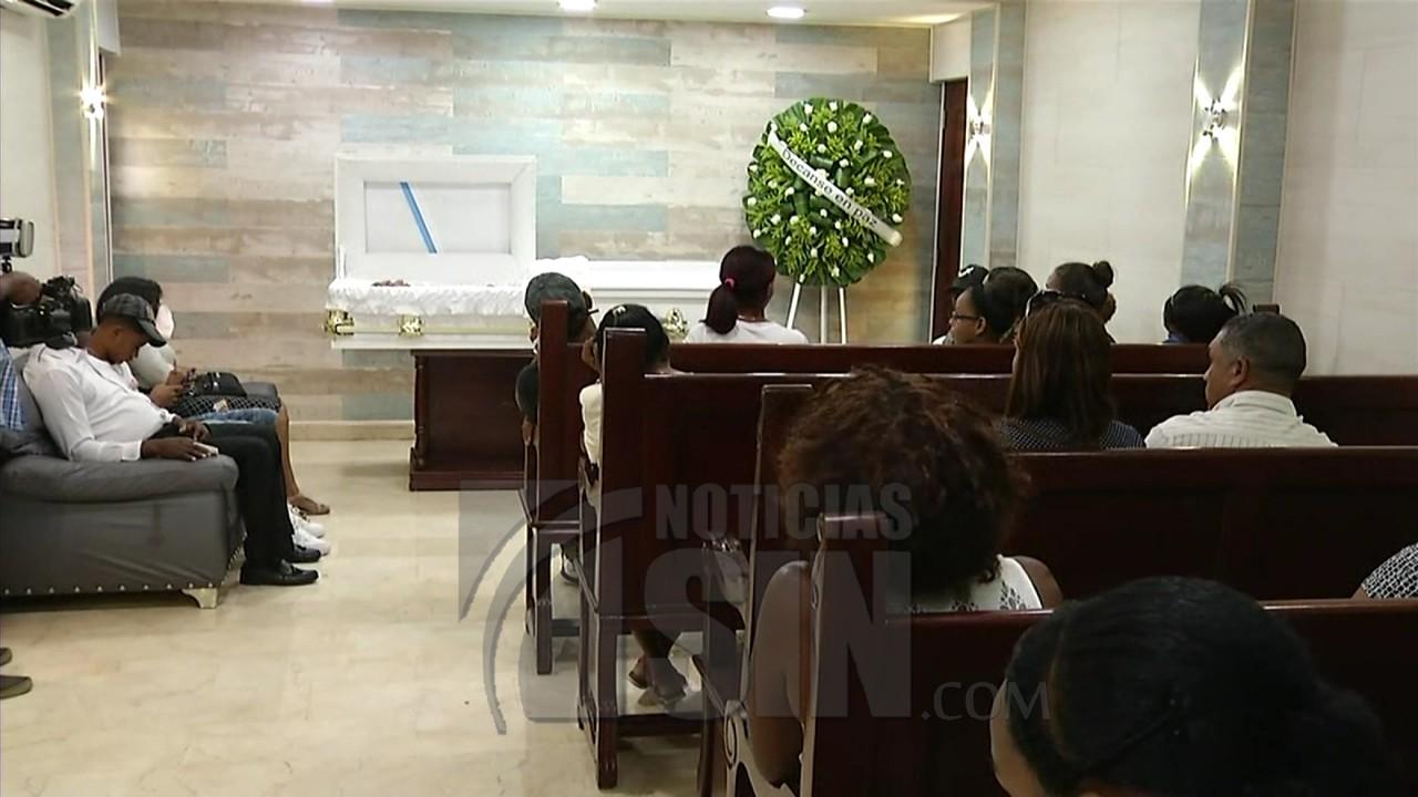 Image result for Muere madre de agente DIGESETT que se suicidó en baño de embajada USA