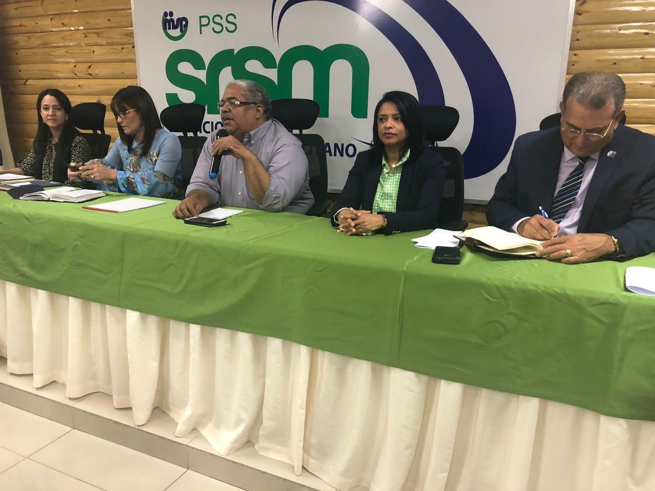 SNS se reúne con 57 directores de hospitales para reforzar servicios