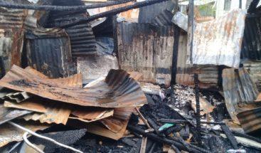 Seis familias pierden todo por incendio en Los Tres Brazos