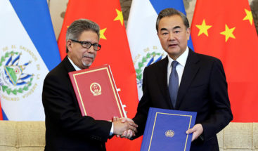 China insta a otros países a no intervenir en El Salvador
