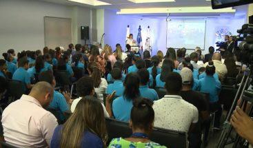 Primera dama encabeza actividad con discapacitados del Caid en Santiago