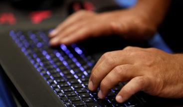 App expuso 1,7 millones de contraseñas y fotos de desnudos a 'hackers'