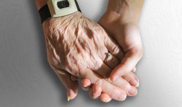 Científicos logran revertir proceso de envejecimiento de células humanas