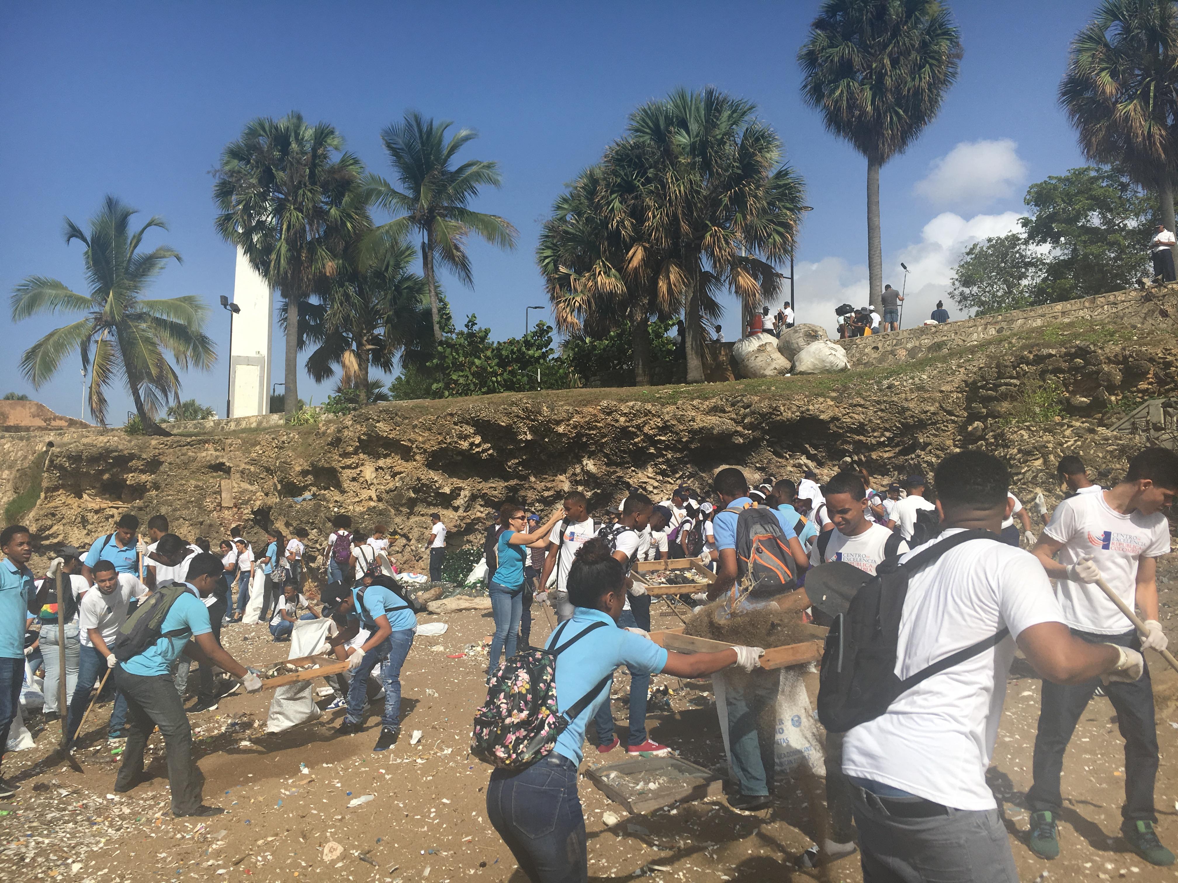 Entidad busca voluntarios para limpieza de playa en Haina