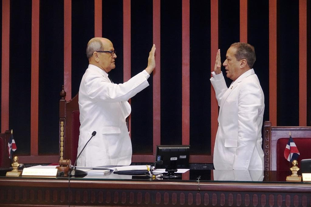 Senado instala bufete directivo para el período 2018-2019