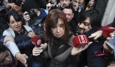 Cristina Fernández niega haber recibido sobornos y denuncia persecución