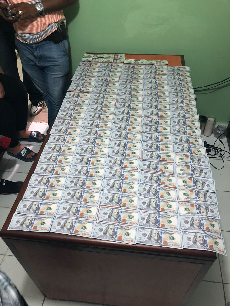 Apresan estadounidense con 10,160 dólares falsos en Higüey