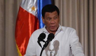 Duterte dispuesto a renunciar si hereda su cargo hijo de un dictador