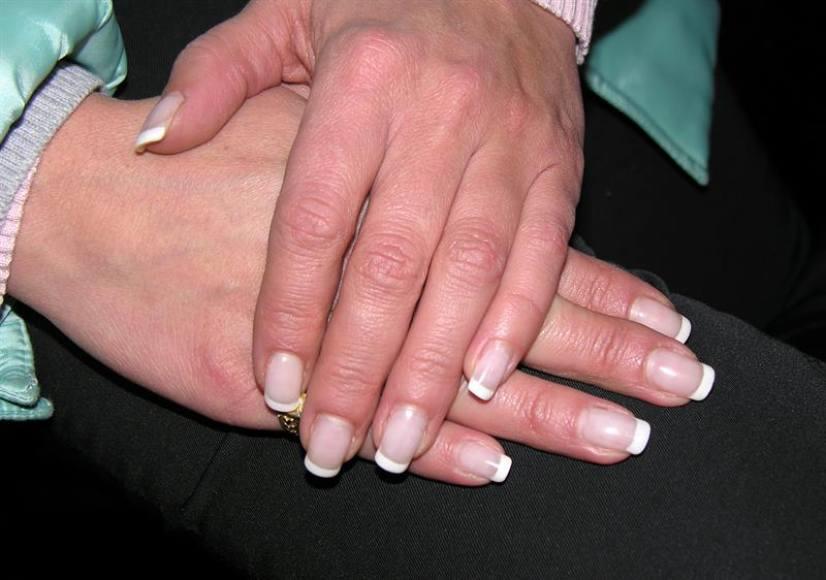 Uso excesivo de rayos UV para tratar uñas puede causar cáncer de piel