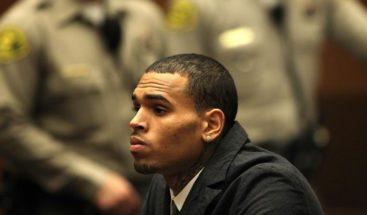 Chris Brown se declara no culpable de cargo por agresión en Florida
