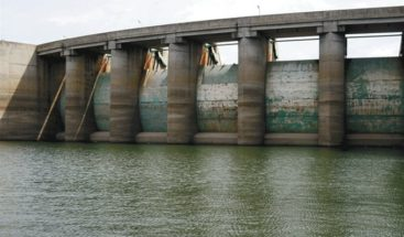 Danilo Medina da seguimiento a situación de las aguas en las presas