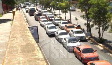 Choferes en Santiago amenazan con paro general por alza de combustibles