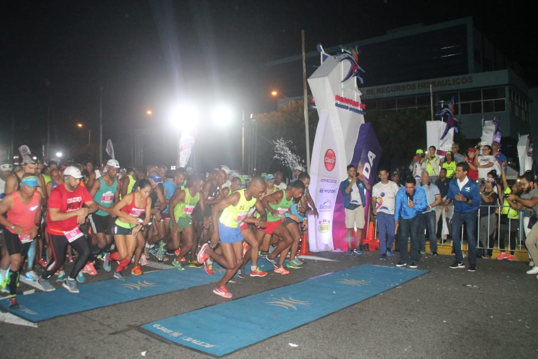 Alcalde DN da la salida al Primer Maratón Santo Domingo
