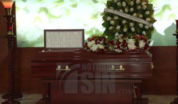 Sepultan restos de rumana que murió al caer del cuarto piso de un hotel