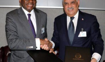 Canciller firma establecimiento de relaciones diplomáticas con países