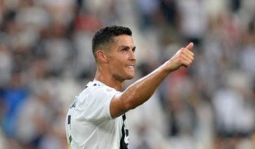 Ronaldo muestra su apoyo a niño futbolista que sufrió un paro cardiaco