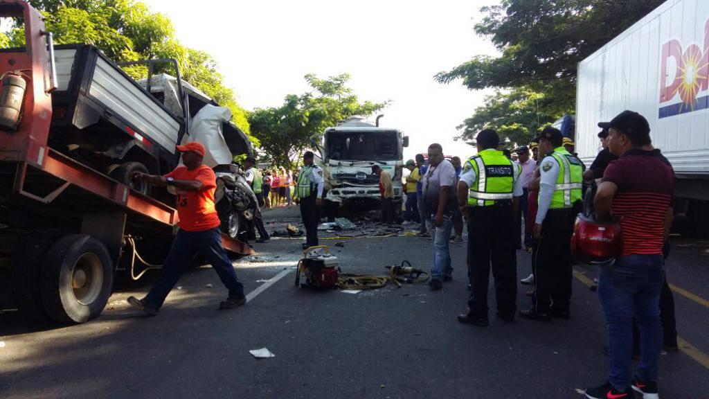 Al menos ocho personas mueren en accidente de tránsito en Colombia