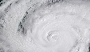 Los vientos del huracán Florence se extienden por Carolina del Norte
