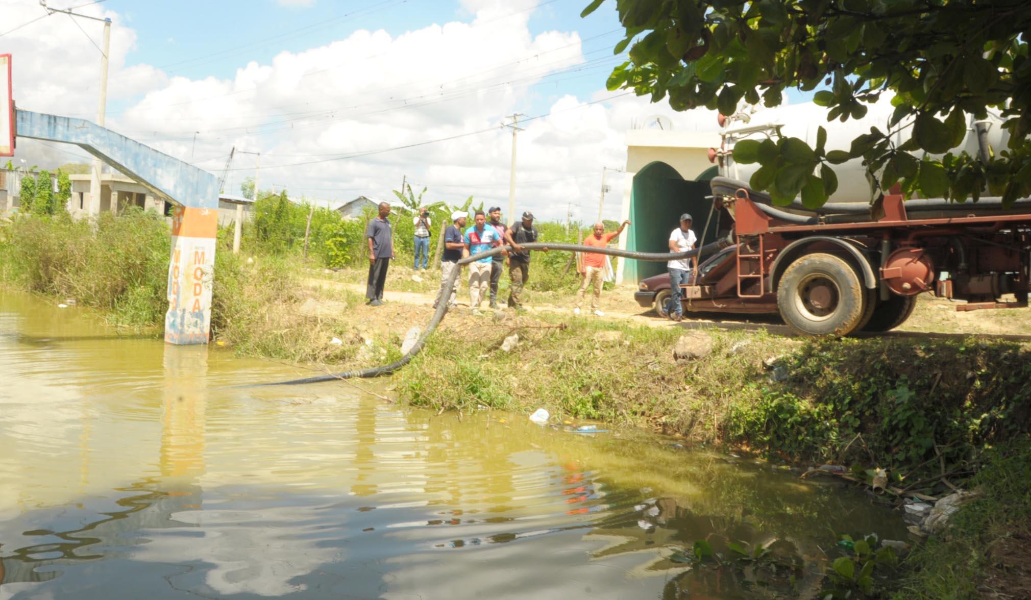 Dan seguimiento casos malaria en Manoguayabo y Los Alcarrizos