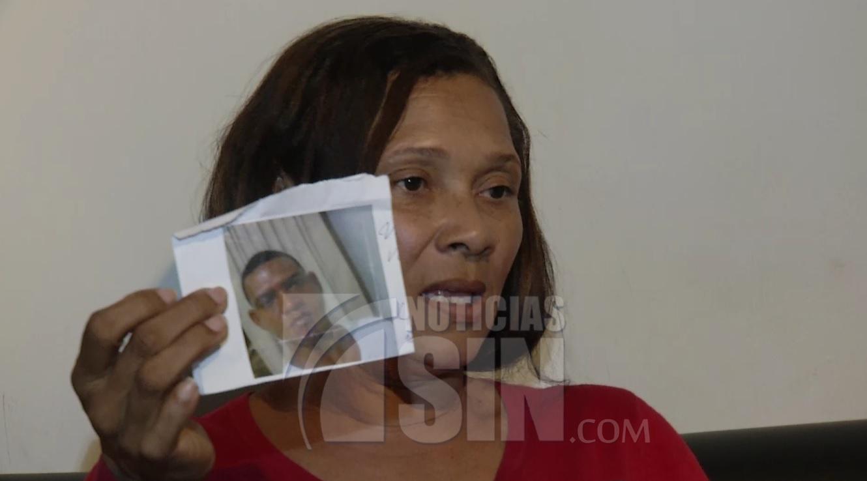Mujer denuncia a sargento de la PN por apuñalar a su hijo