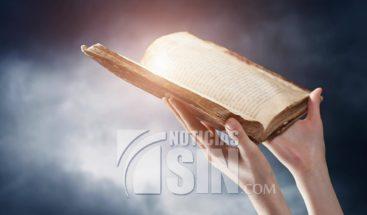 Quien lo hizo: Día nacional de La Biblia