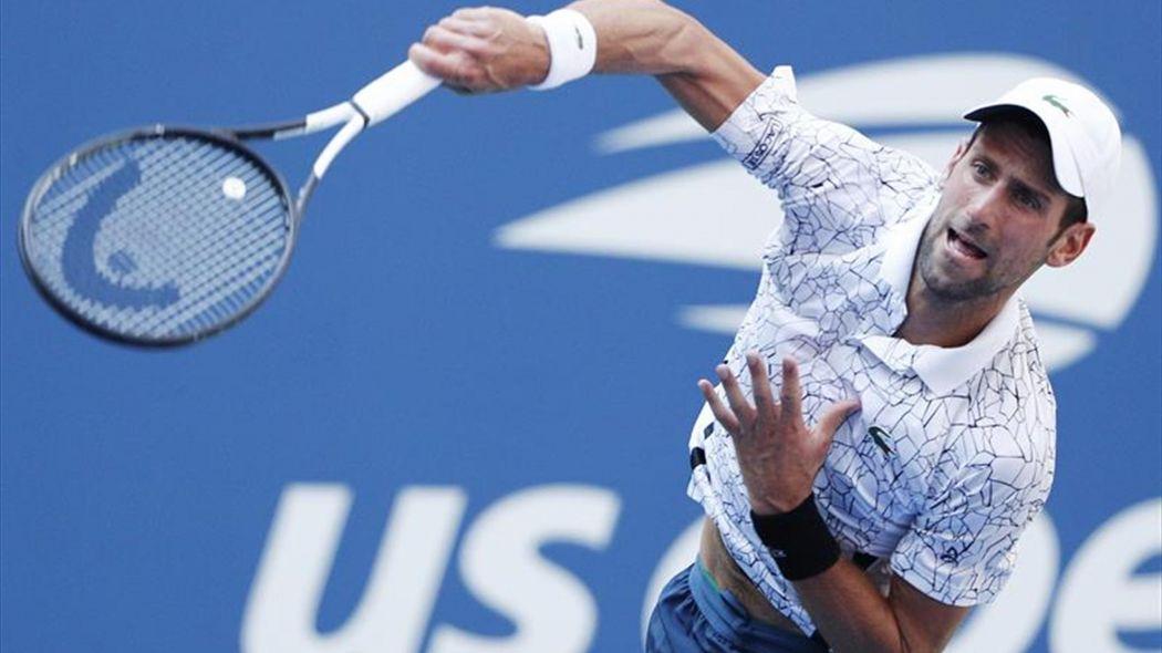 Djokovic gana a Sousa y espera a Federer o Millman en cuartos