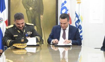 Firman acuerdo para dotar sala digital en municipio de San Juan