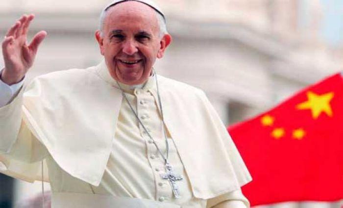 Vaticano y China firman un acuerdo histórico para nombrar obispos