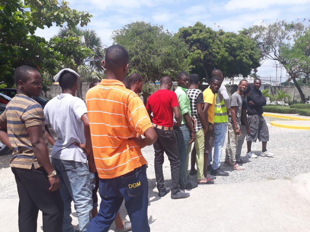 Migración deporta 422 indocumentados durante operativos en varios puntos