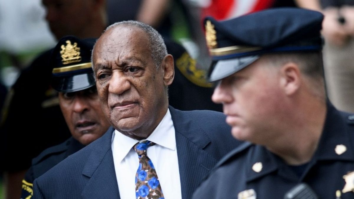 Bill Cosby entra a Corte a la espera de sentencia por agresión sexual