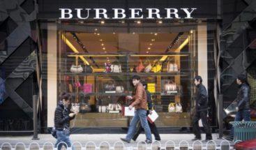 Burberry no volverá a usar piel animal ni a quemar productos no vendidos
