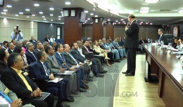 Legisladores de la oposición rechazan extensión de plazo JCE