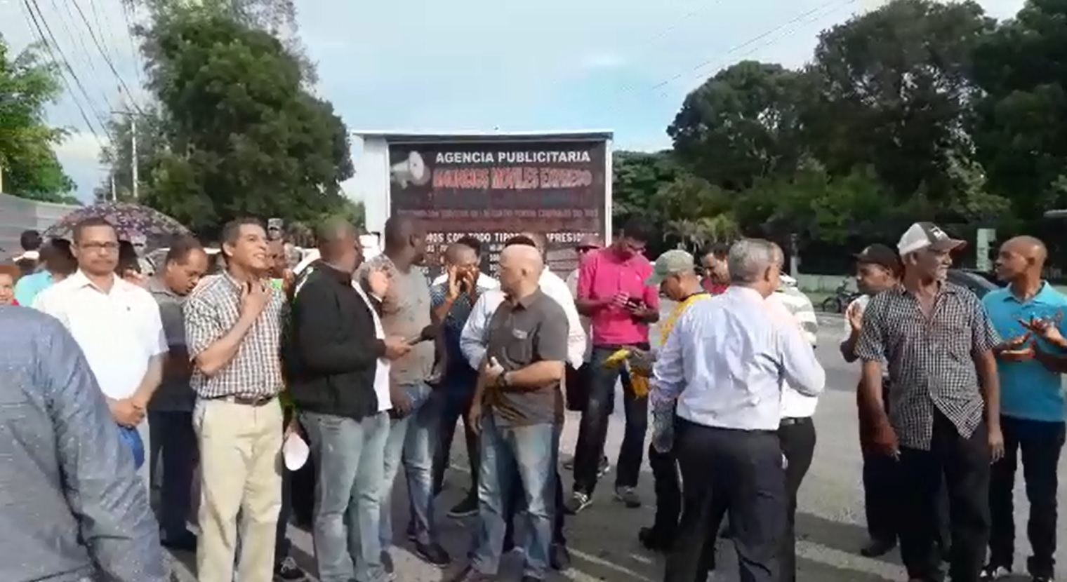 Realizan protesta pacífica en SDE por rechazo construcción terminal