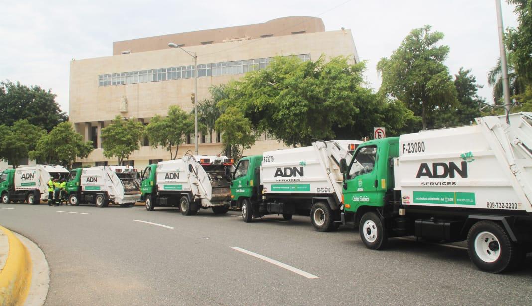 Alcaldía ADN y Service agregan 7 camiones para la recogida de basura