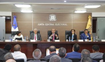 Pleno JCE otorga plazo adicional de 30 días a partidos políticos
