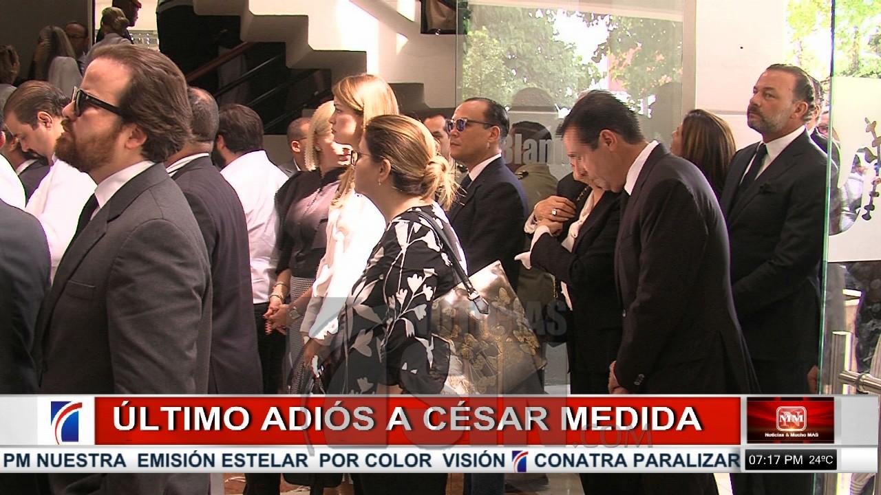 Velan restos del periodista Cesar Medida
