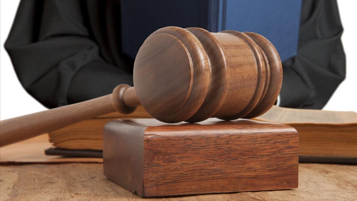 Comienza proceso en Suecia a médico acusado de abusar de 52 niños